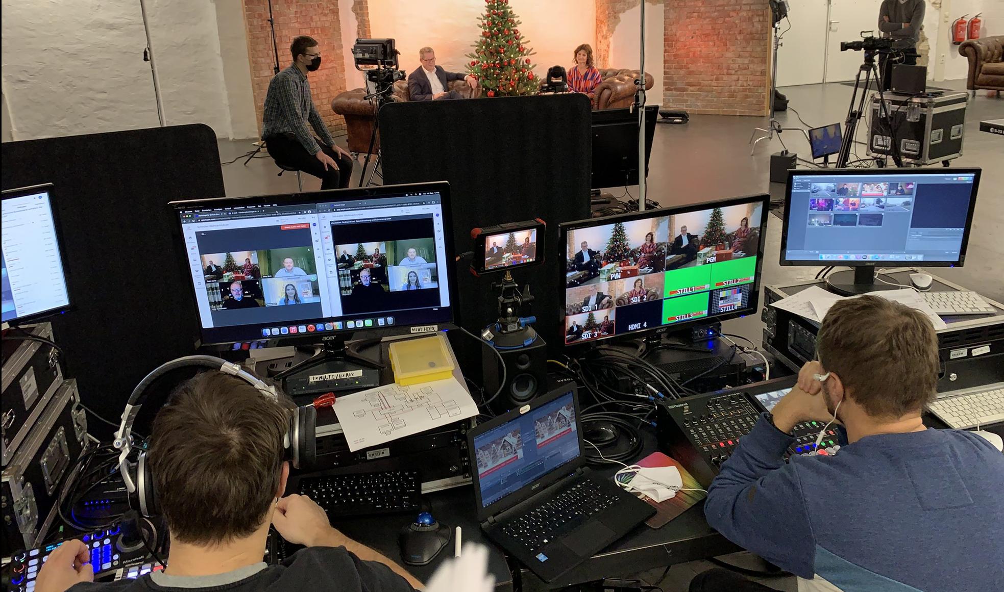 Hinter den Kulissen bei einer unserer virtuellen Weihnachtsfeiern